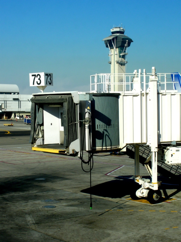 FAA Says No Experience Needed for Air Traffic Controllers