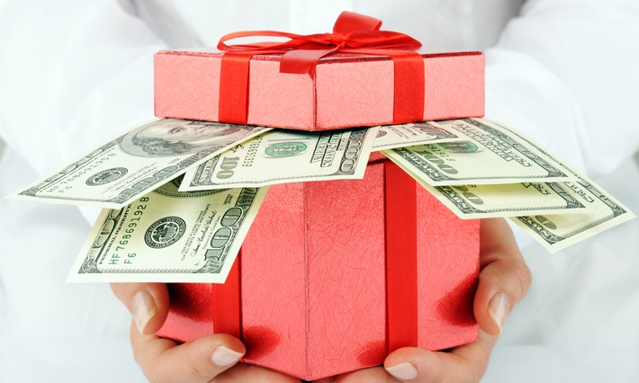 Christmas_gift_with_money_securitypage