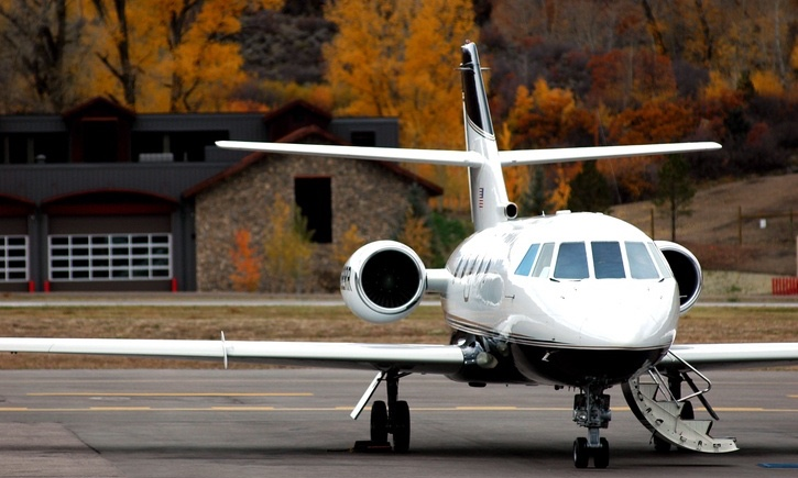 Corporate_jet_Fall_background_securitypage
