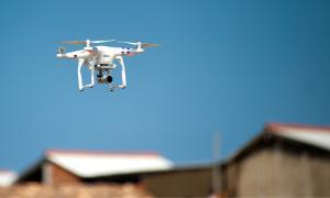 Drone_in_neighborhood