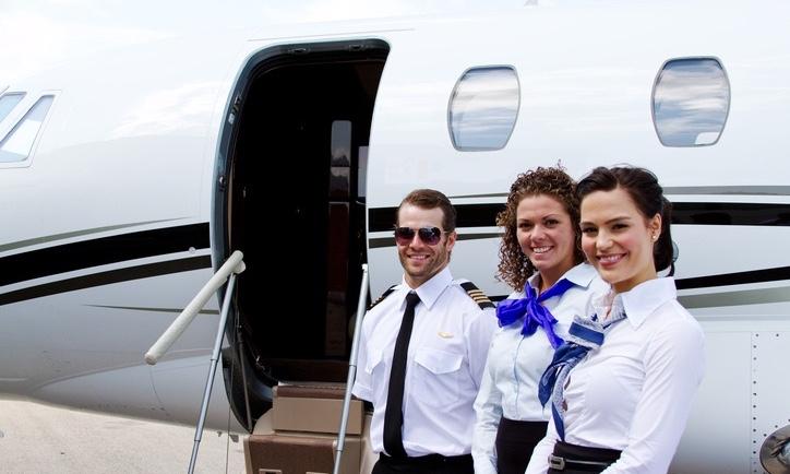 Flightcrew_Greeting_at_Jet_securitypage