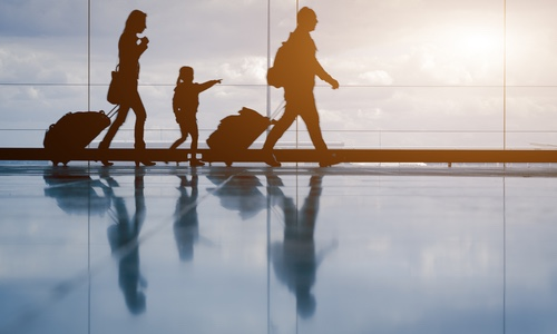 family_walking_airport_securitypage